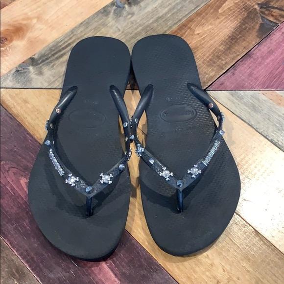 black havaianas with gem